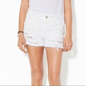 American Eagle White Distressed Shortie